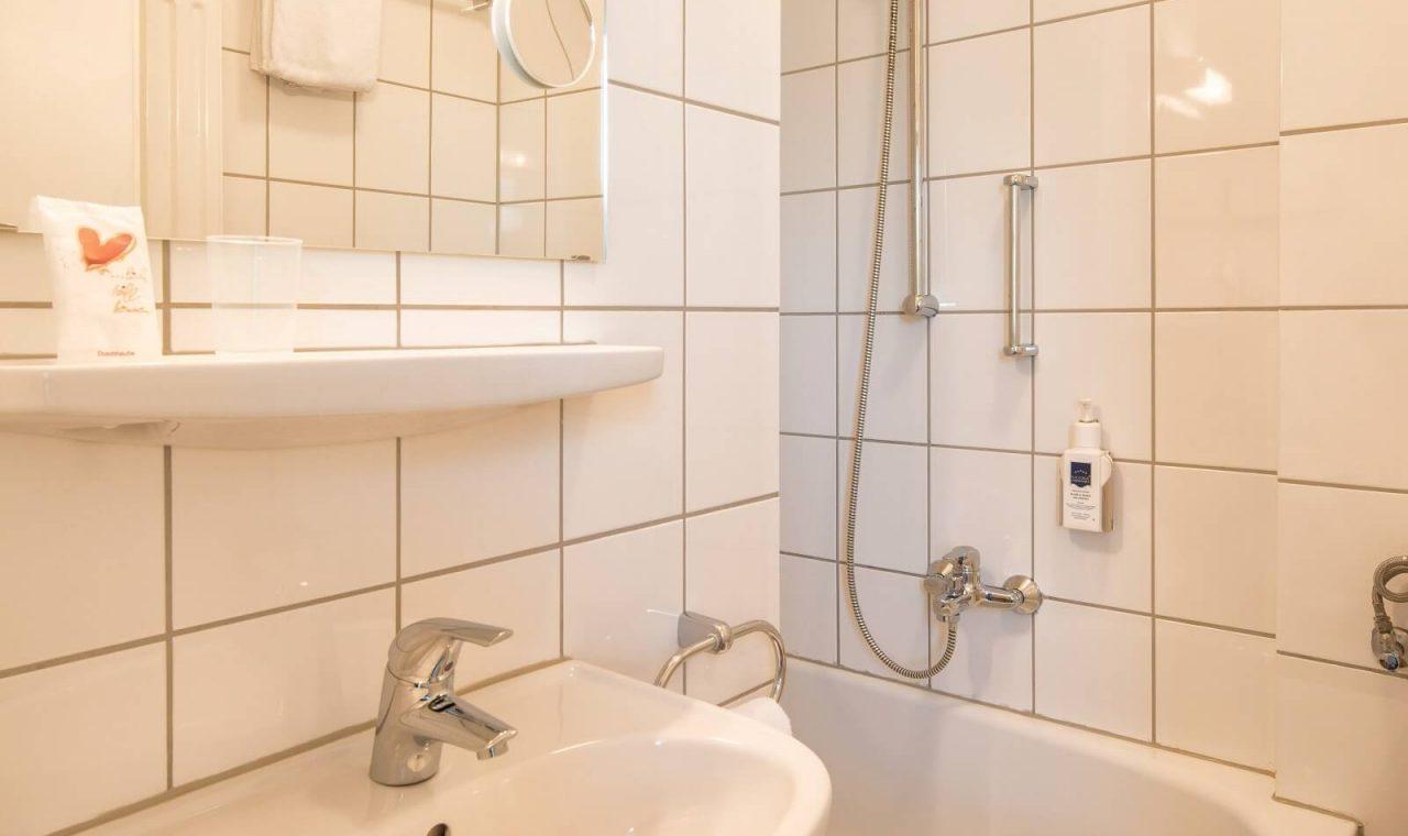 Standard Einzelzimmer Bad (Beispielbild)